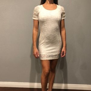 Dresses & Skirts - WHITE LACE MINI DRESS